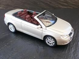 Norev volkswagen eos model cars 1ac50330 b842 48d5 bb0c e8dfa0c7e5f7 medium