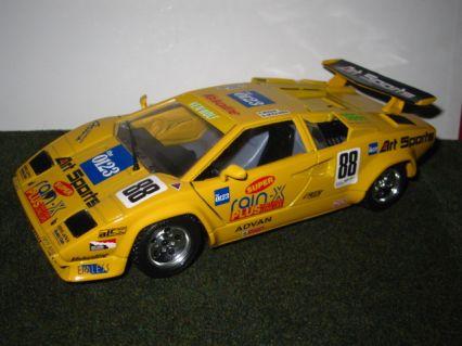 lamborghini countach lp5000 quattrovalvole model racing cars hobbydb. Black Bedroom Furniture Sets. Home Design Ideas