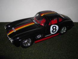 Bburago 1%253a24 kit collezione mercedes benz 300 sl model racing cars 8b10b032 e41d 432c bd58 8e36596a0a98 medium