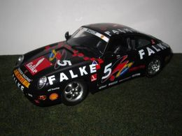 Porsche 911 Carrera 993 | Model Racing Cars