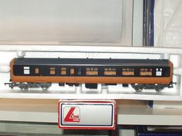 Lima lima irish range lima cie mk 2 composite coach%252c black roof model rolling stock f8a119f6 04a3 4106 87b4 a433771351cc medium