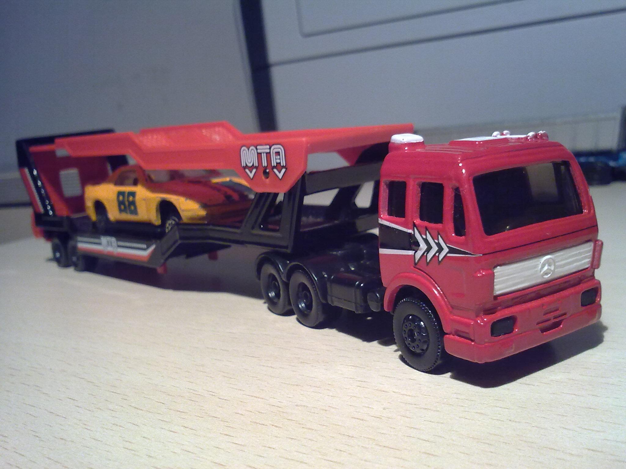 Mercedes benz sk car transporter model trucks hobbydb for Mercedes benz truck models