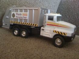 Unknown manufacturer kenworth t 600 model trucks 15036531 4ad0 40da b04d 971788e904c2 medium