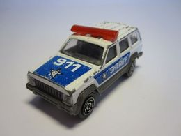 Majorette serie 200 jeep cherokee model trucks e441ca2b 7943 4077 b49e 281c5beaf71d medium
