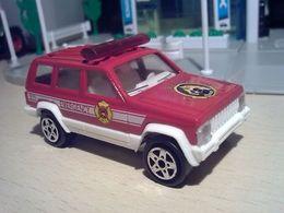 Majorette collection jeep cherokee xj fire rescue model trucks 625c170a aca7 4fee 89b0 6cb30a061572 medium