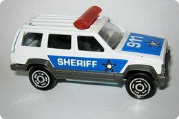 Majorette serie 200 jeep cherokee model trucks c41a02c5 3c61 4c9a a199 972ae64027a6 medium