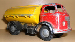 Micro models commer tanker model trucks 979afd89 cf1a 4824 88ef e3323fcfc604 medium