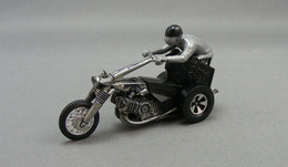 Hot wheels%252c rrrumblers choppin chariott model motorcycles 81ec0b9a 89af 4b08 b0b0 3c99391859a3 medium
