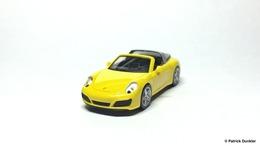 Porsche 911 carrera 4 targa  2528991 2529 model cars a4988ac2 20f7 4ea4 aef3 2a20085cbe57 medium