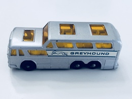 Greyhound coach model buses e0d441e3 0905 41b2 80ae 609c3c4f4797 medium