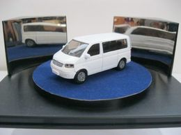Volkswagen transporter t5 combi model trucks 048ee7ee 5f1d 44c8 a75f 0c826f1b9dba medium