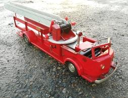 The american la france aerial ladder truck model car kits 84596db4 dcf5 4432 83d6 313b17f984c3 medium