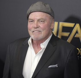 People stacy keach 32646 large