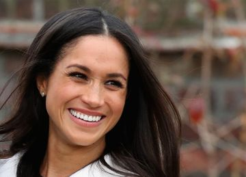 Meghan markle natural curly hair twitter photo large