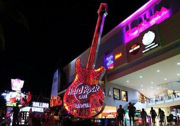 Hard rock cafe cancun large