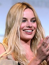 220px margot robbie  28601016915   cropped  large